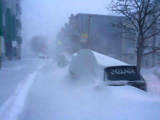 1070_175556348ロシア(Petroplavovsk-Kamtchatski)12時間で50センチの雪.jpg
