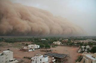 12742134_1091493627561724_スーダン、ハルツームの砂嵐.jpg