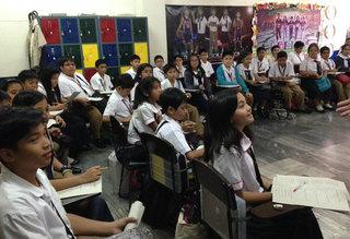 CZmjTXRWAAA7f49フィリピンの学校を訪問した時、生徒が言った.jpg